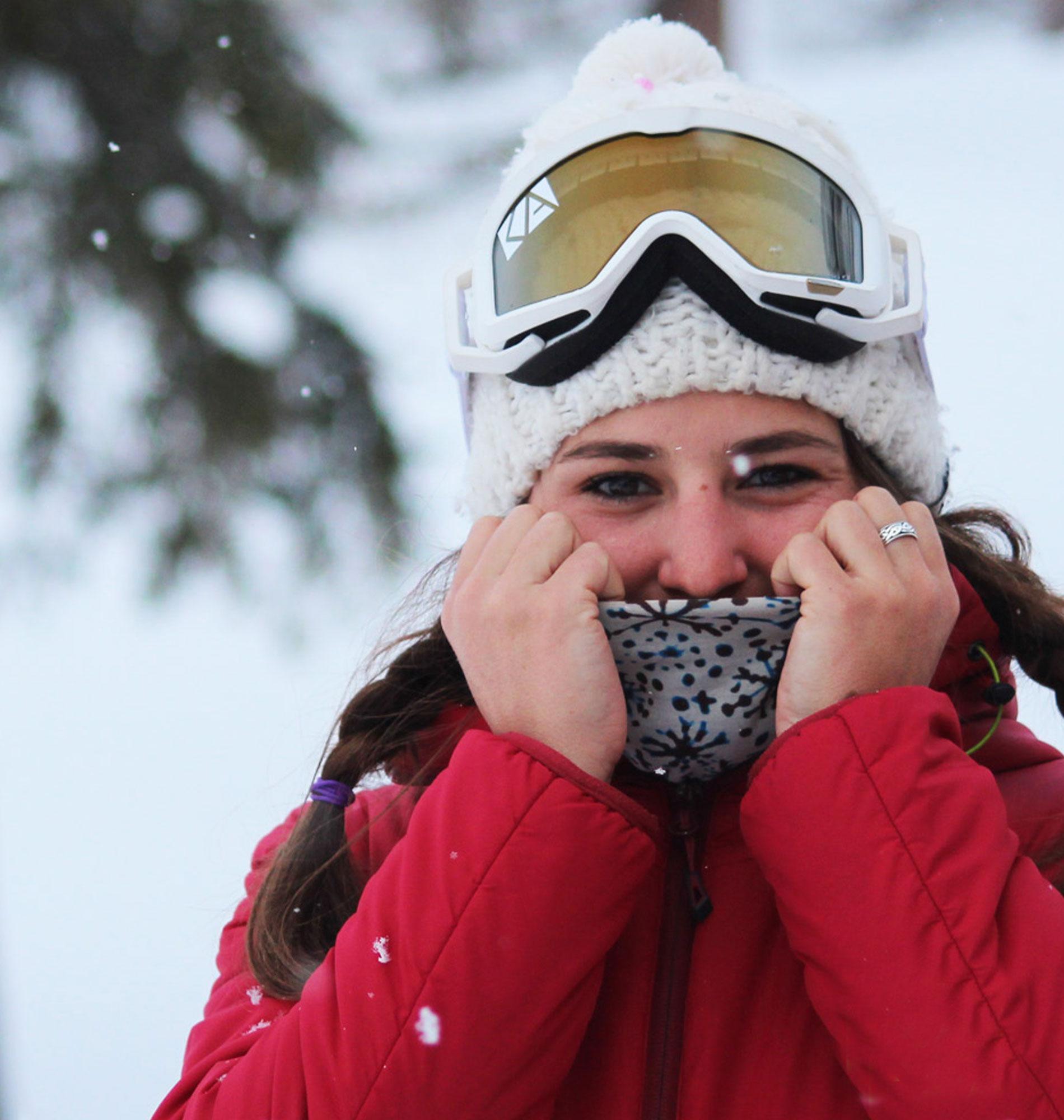 Snowboard dans les Pyrénées avec Lucie dans les Pyrénées avec Lucie